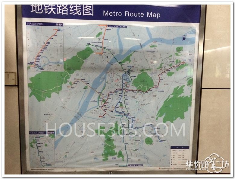 南京地铁1号线列车里的线路图也已经更换,可以看到一些未来的换乘