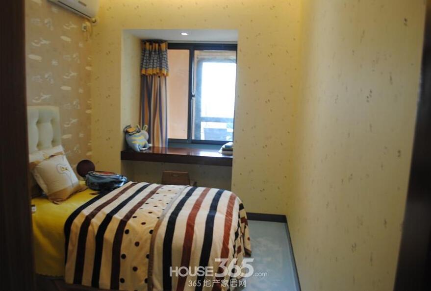 华南城紫荆名都样板间卧室