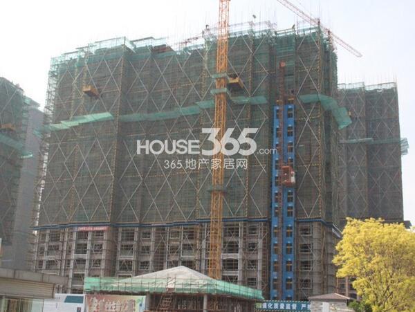 雅居乐中心广场8#楼实景图(2015.5 摄)