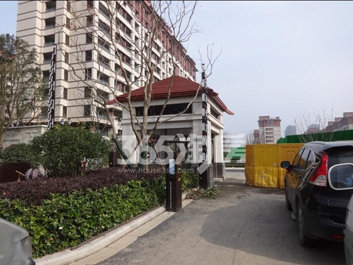高科荣境西大门实景图(12.8)