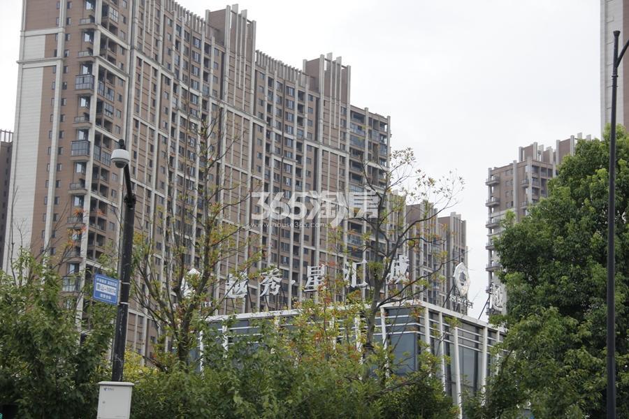 越秀星汇城现场实景图 2017年8月摄